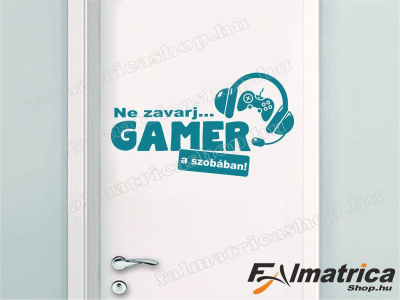 64. Gamer a szobában falmatrica